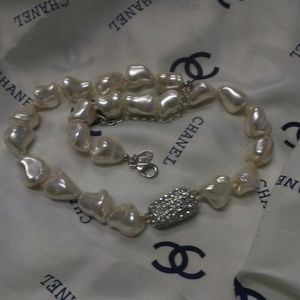 THE Kenneth J Lane Baroque Pearl Crystal Necklace